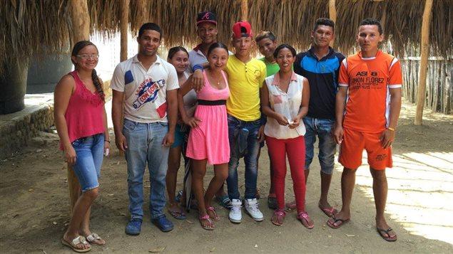 Sesión de trabajo con un grupo de jóvenes en el Corregimiento de Las Palmas, San Jacinto, Bolívar.