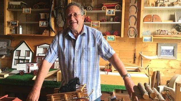 Jos Bourque dans son atelier