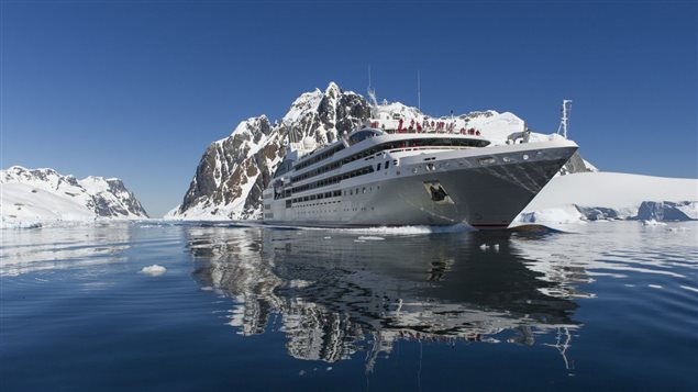 Le navire de croisi�re l'Austral de la compagnie Ponant