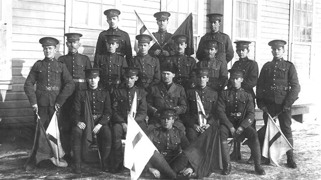 Lieutenant Leslie Miller (far left) with the Canadian Signal Corp