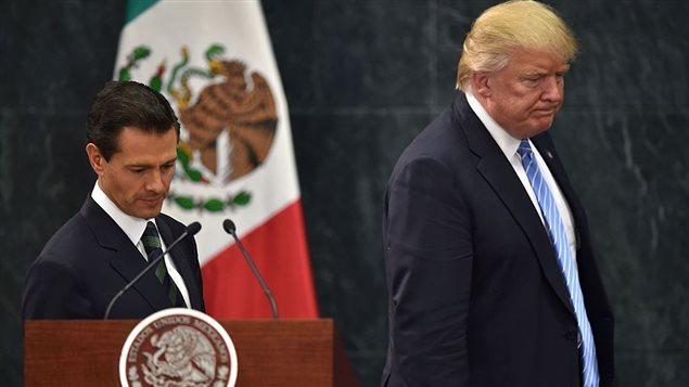 Donald Trump a réitéré sa position sur la construction d'un mur entre les États-Unis et le Mexique, à l'issue d'une rencontre à Mexico avec le président Enrique Peña Nieto.