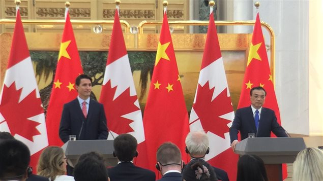 Justin Trudeau et le premier ministre chinois Li Keqiang.