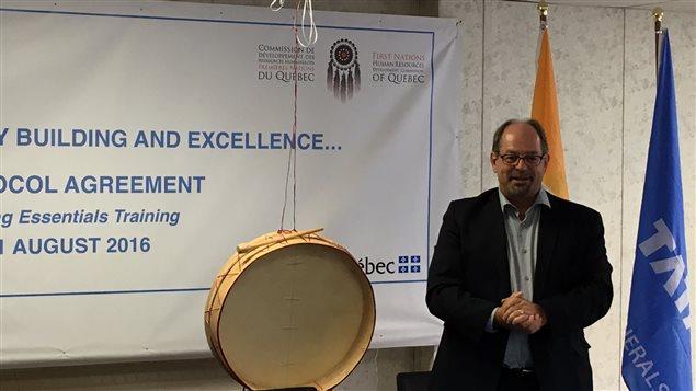 Le ministre des Affaires autochtones du Québec, Geoffrey Kelly, de passage à Schefferville.