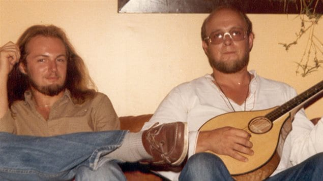 circa 1970s: Garnet Rogers (left) and brother Stan who was six years older.