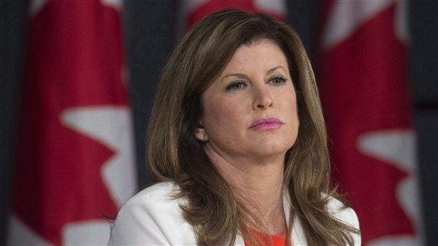 Rona Ambrose, jefa interina del Partido Conservador de Canada, PCC.