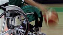 Sportif en fauteuil roulant
