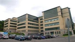 L'École polytechnique de Montréal.