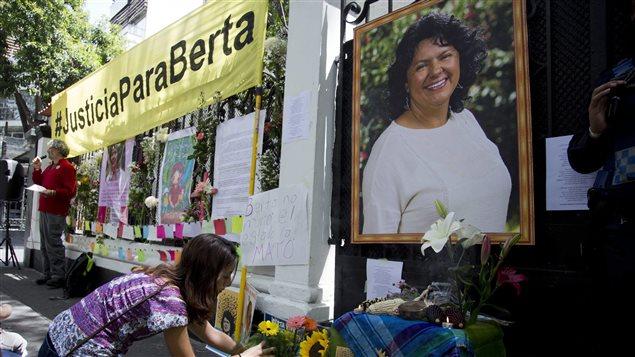 Cáceres integra una larga lista de víctimas de la violencia racial y económica en Honduras.