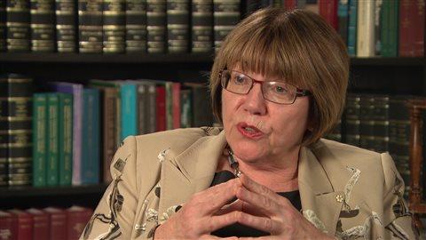Anne McLellan, présidente du groupe de travail sur la légalisation et la réglementation de la marijuana.