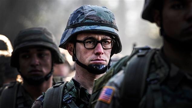 Joseph Gordon-Levitt dans <i>Snowden</i>, d'Oliver Stone