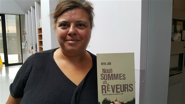 Sophie Lavoie a traduit en français les poèmes de Rita Joe.
