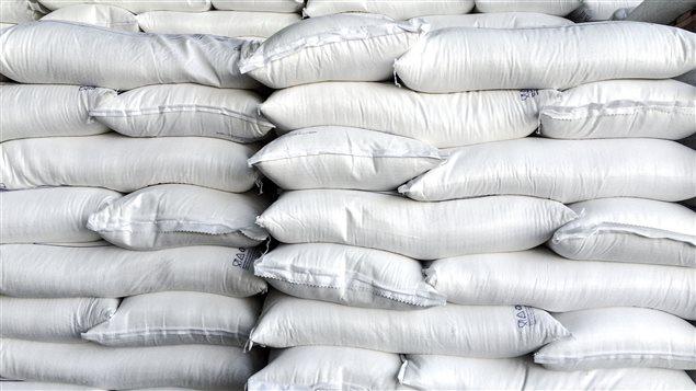 En parvenant à cacher les effets du sucre sur la santé, notamment en accusant le gras, l'industrie du sucre a influencé les politiques de santé publique.