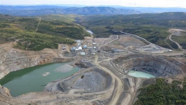 Un rapport de l'AMC fait état d'un déclin évident de la compétitivité canadienne et de la perspective d'un déplacement vers l'étranger des investissements majeurs consacrés à l'exploration et au secteur minier.