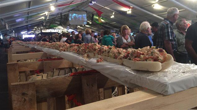 La guerre de la guedille de homard le r veil for Chambre de commerce moncton