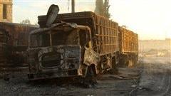 Un camion détruit et calciné