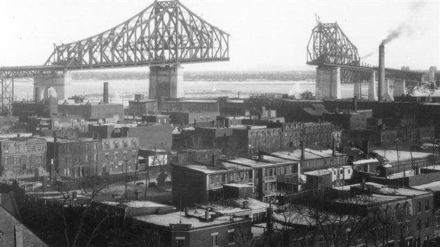 Construction du pont Jacques-Cartier en 1929