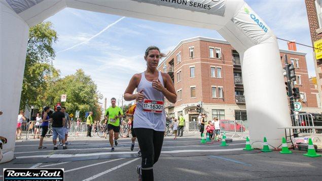 Une participante à l'une des éditions du marathon