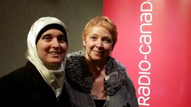 Monia Mazigh, auteure et militante pour les droits des réfugiés, participe à l'événement 6 degrés espace citoyen à Toronto