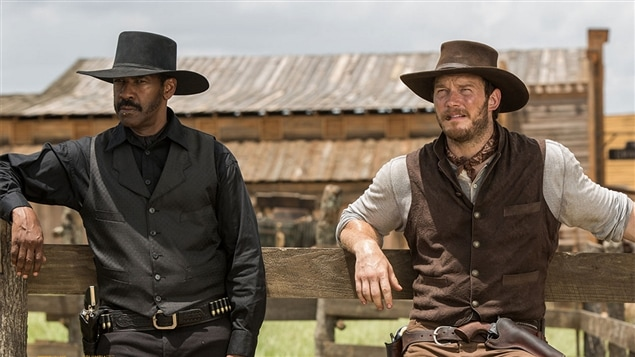 Denzel Washington et Chris Pratt dans <i>The Magnificient Seven</i>, d'Antoine Fuqua