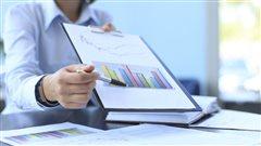 De nombreux citoyens confient � un conseiller financier la gestion de leur argent.