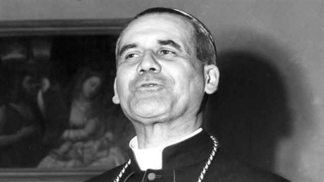 Paul-Émile Léger s'adresse à la presse à Rome, le 29 novembre 1952, après avoir été nommé cardinal