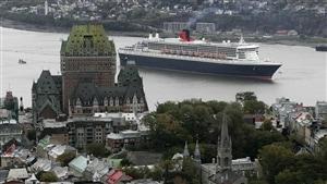 Le navire Queen Mary 2 est un habitué de la saison des croisières à Québec.