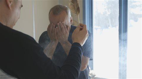 Cérémonie de purification à WaseskunCrédit photo : Steve Patry / Office national du film