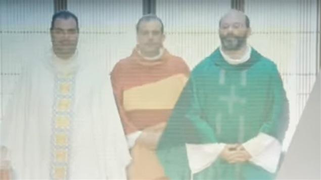 Les trois prêtres qui animent l'émission portugaise <em>O Último Terço</em>