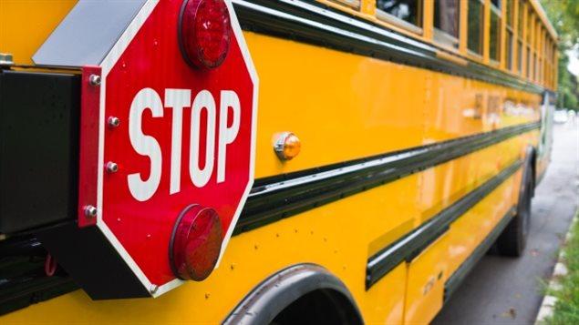 autobus scolaire jaune