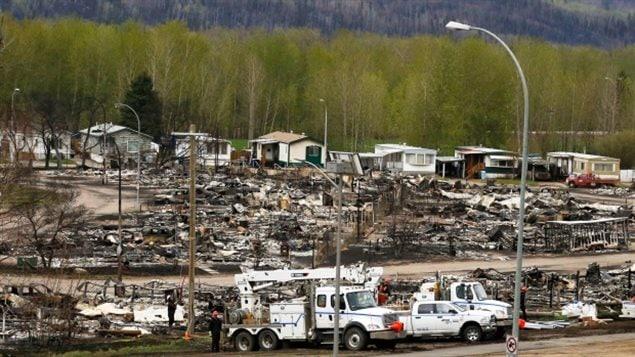Le quartier de Waterways après le feu de forêt qui a ravagé la ville de Fort McMurray début mai.
