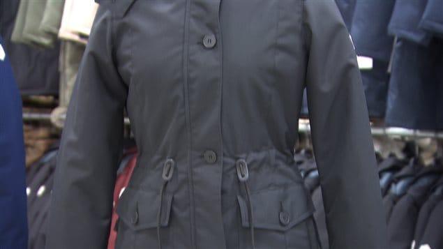 Un manteau isolé avec de la fibre d'asclépiade