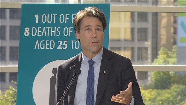 Le ministre de la Santé Eric Hoskins