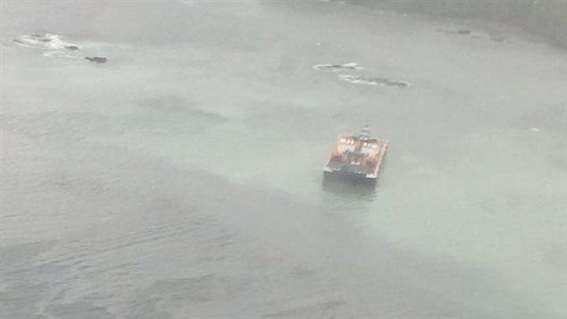 La barge �chou�e aux alentours de Bella Bella en Colombie-Britannique