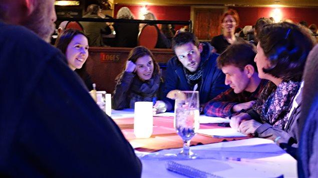 Un atelier de travail lors de la soirée de consultation «Faut qu'on se parle» tenu à Sherbrooke le 18 octobre