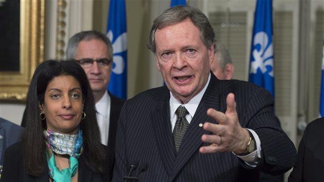 La ministre de l'Économie du Québec, Dominique Anglade et le négociateur en chef du Québec dans le dossier du bois d'oeuvre, Raymond Chrétien
