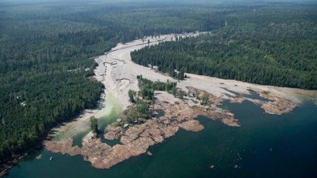 Le déversement d'eaux usées en août 2014 à la mine Mount Polley en Colombie-Britannique.