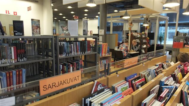 Image d'une bibliothèque tirée du documentaire Le 3e lieu : les bibliothèques publiques de Martine Forand