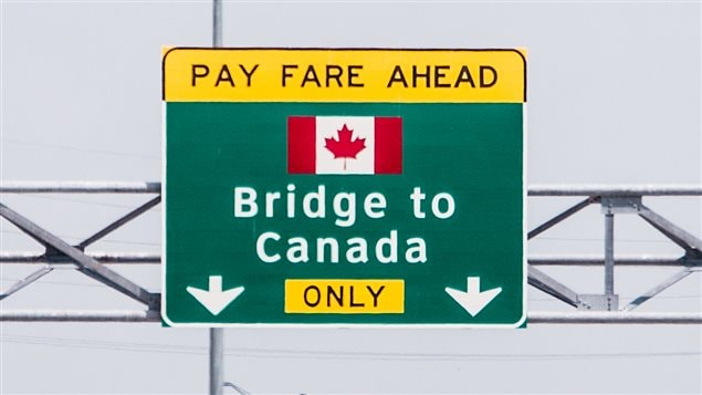 Según los expertos, Canadá debe atraer más inmigrantes e inversiones.