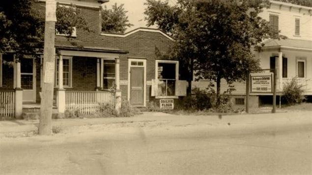 La boulangeie Durand de Chambly dans les ann�es 1950. Devenue aujourd'hui Le Garde-manger de Fran�ois