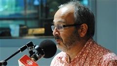 Le journaliste et auteur Fabrice de Pierrebourg