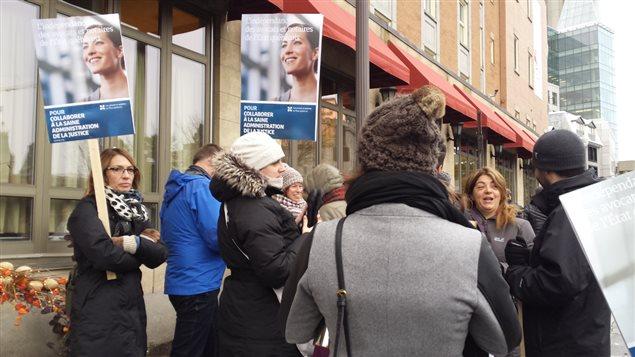 Les juristes du secteur public manifestent à Québec.