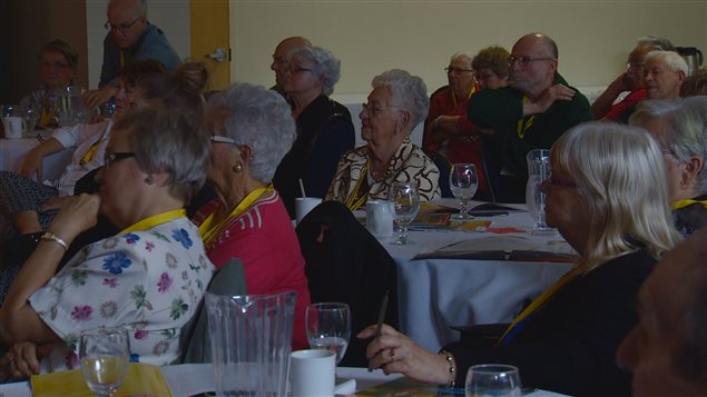 Plus de 80 a�n�s ont particip� aux conf�rences offert par la F�d�ration des a�n�s franco-albertains.