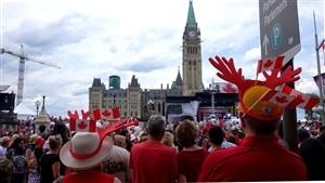 Le guide de voyage invite les touristes à participer aux célébrations entourant le 150e de la Confédération canadienne.