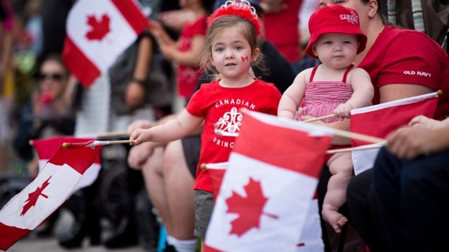 每年30万人:加拿大移民部长公布新移民指标