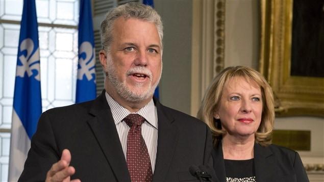 Le premier ministre Philippe Couillard et la  la ministre des Relations internationales, Christine St-Pierre.