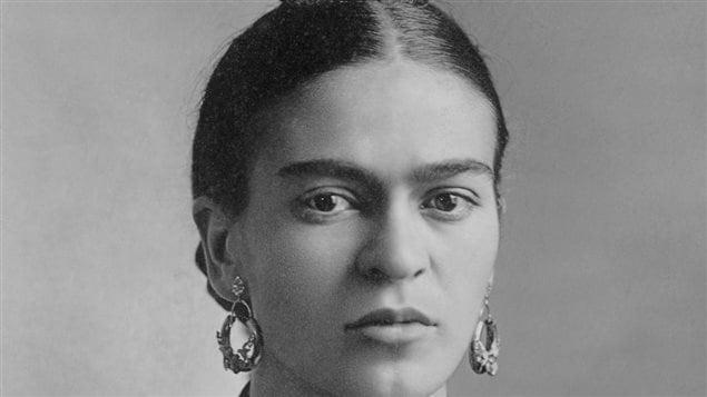 Frida Kahlo, fotografiada por su padre, el fotógrafo Guillermo Kahlo