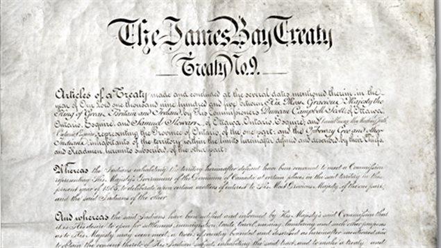Traité No. 9 négocié en 1905-1906, également appelé Traité de la baie James. Il couvre une grande partie du Nord de l'Ontario.