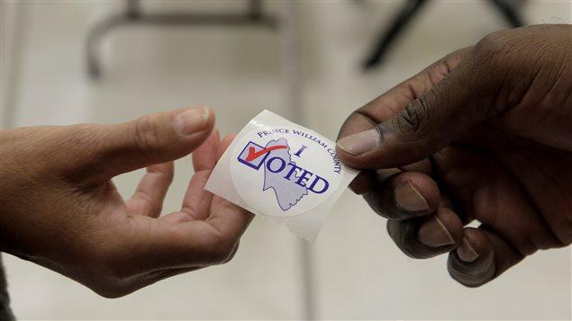 Un autocollant «J'ai voté»