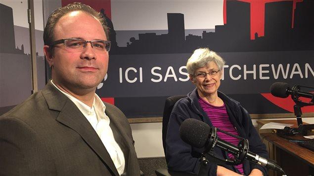 Mathieu Sirois, avocat, et Alison Hayford, sociologue à la retraite d'origine américaine