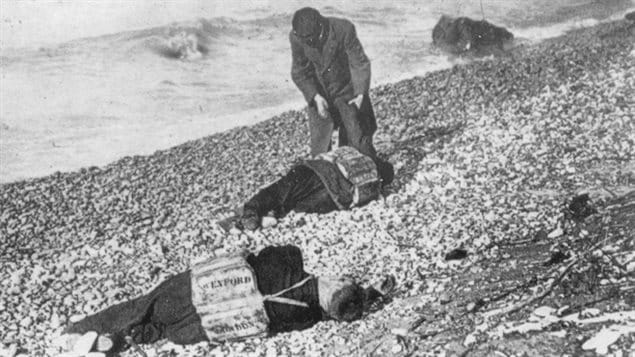 Bodies from the Wexford washed ashore near Goderich Ontario.